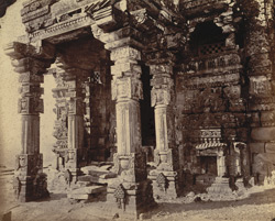Close view of the entrance porch of the Mala De Temple, Gyaraspur, showing details of sculptured columns